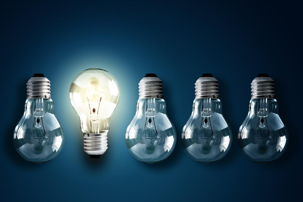光る電球と光らない電球